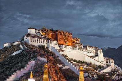 Sehenswürdigkeiten in Lhasa: In Tibet auf dem Dach einer (neuen) Welt