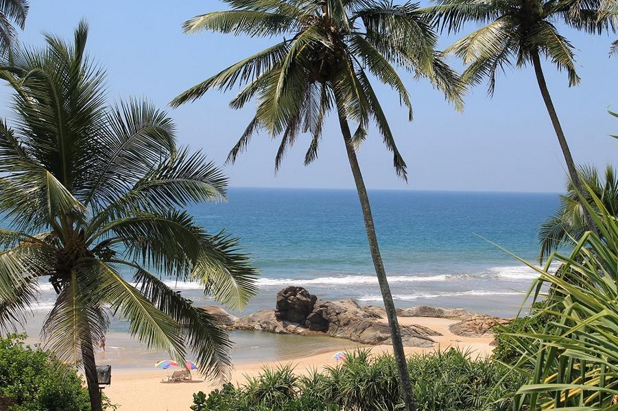 Blick auf den Strand von Bentota (Sri Lanka)