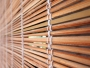 Mit Bambusrollos das japanische Schlafzimmer dekorieren